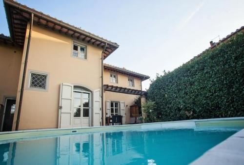 Detached for sale in Palaia