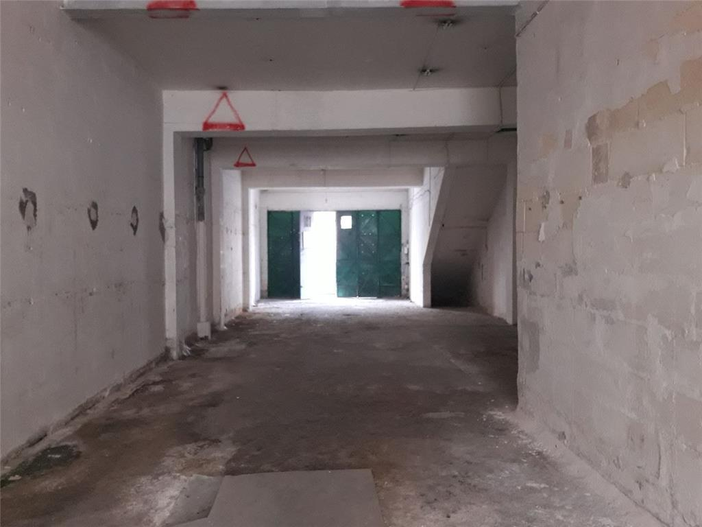 Garage for sale in Mosta