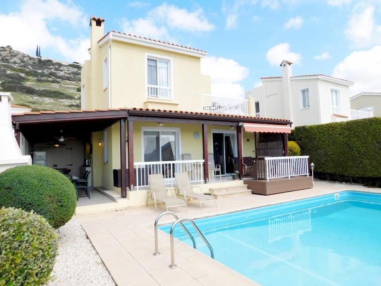 Detached for sale in Peyia