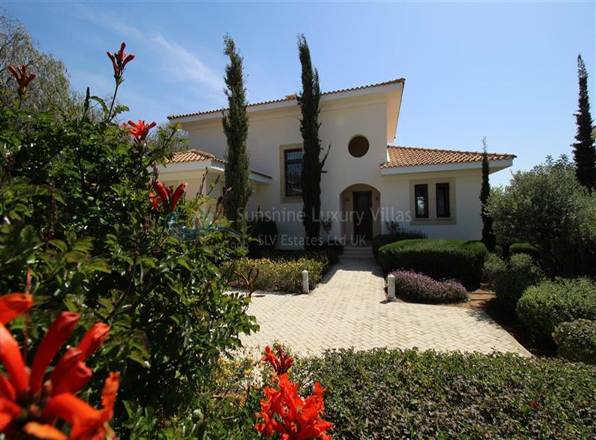 House/Villa for sale in Aphrodite Hills Golf Resort