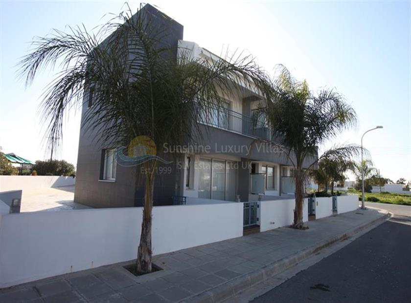 Townhouse for sale in Paralimni