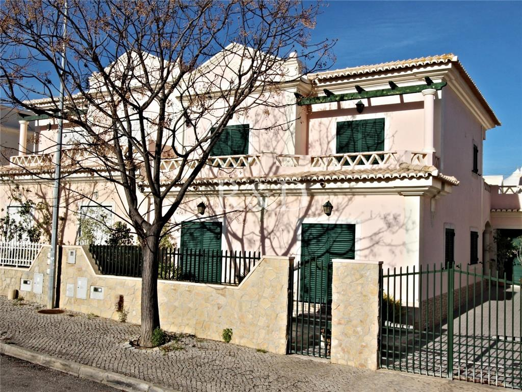 House/Villa for sale in Olhao