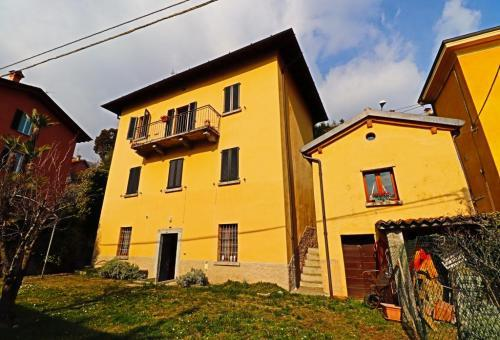 Detached for sale in Ossuccio