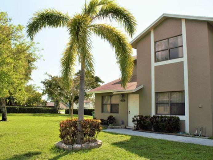 Townhouse for sale in Pompano Beach