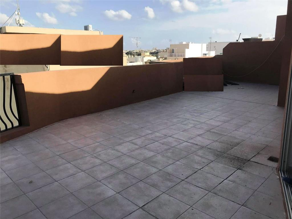 Penthouse for sale in Luqa