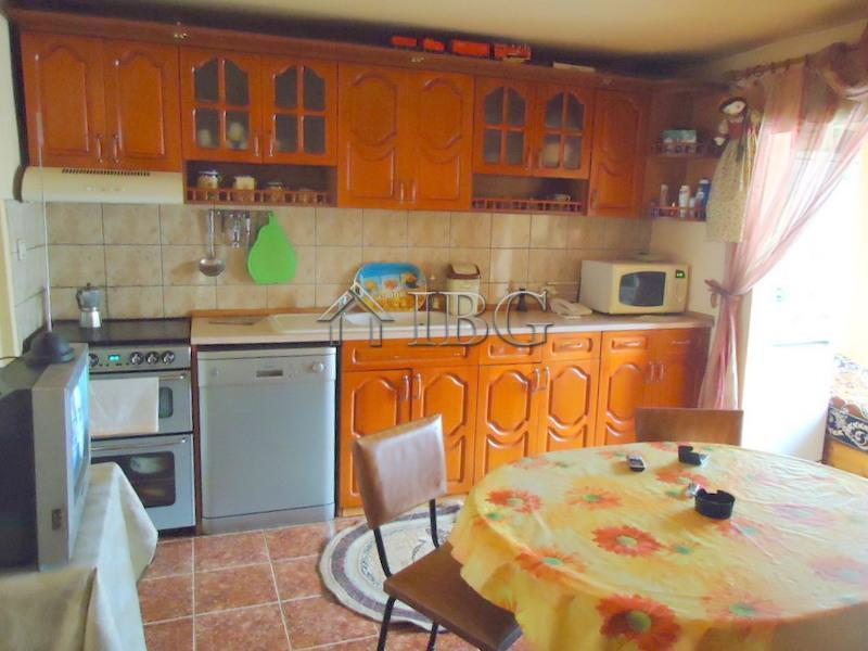 House/Villa for sale in Stozher