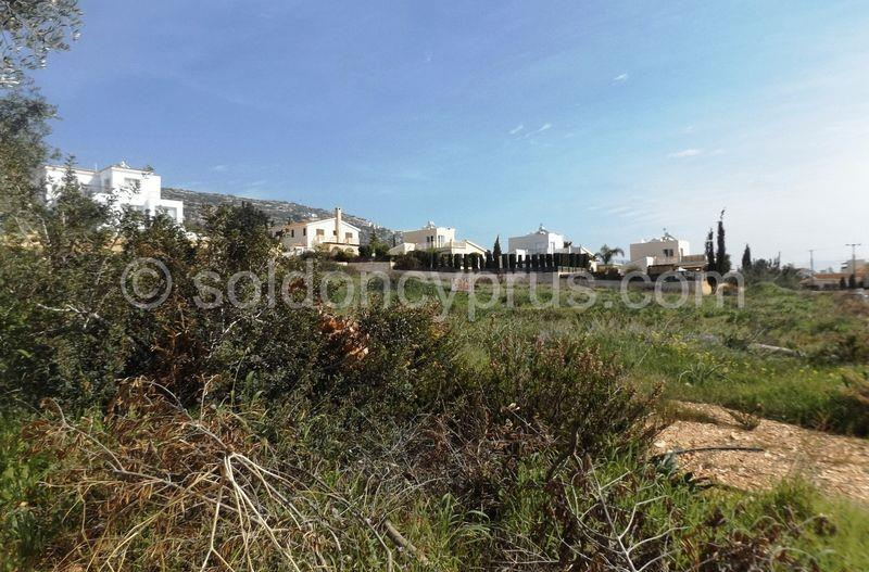 Land/Ruins for sale in Peyia