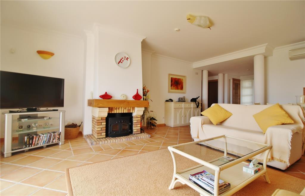 Apartment/Flat for sale in Loule