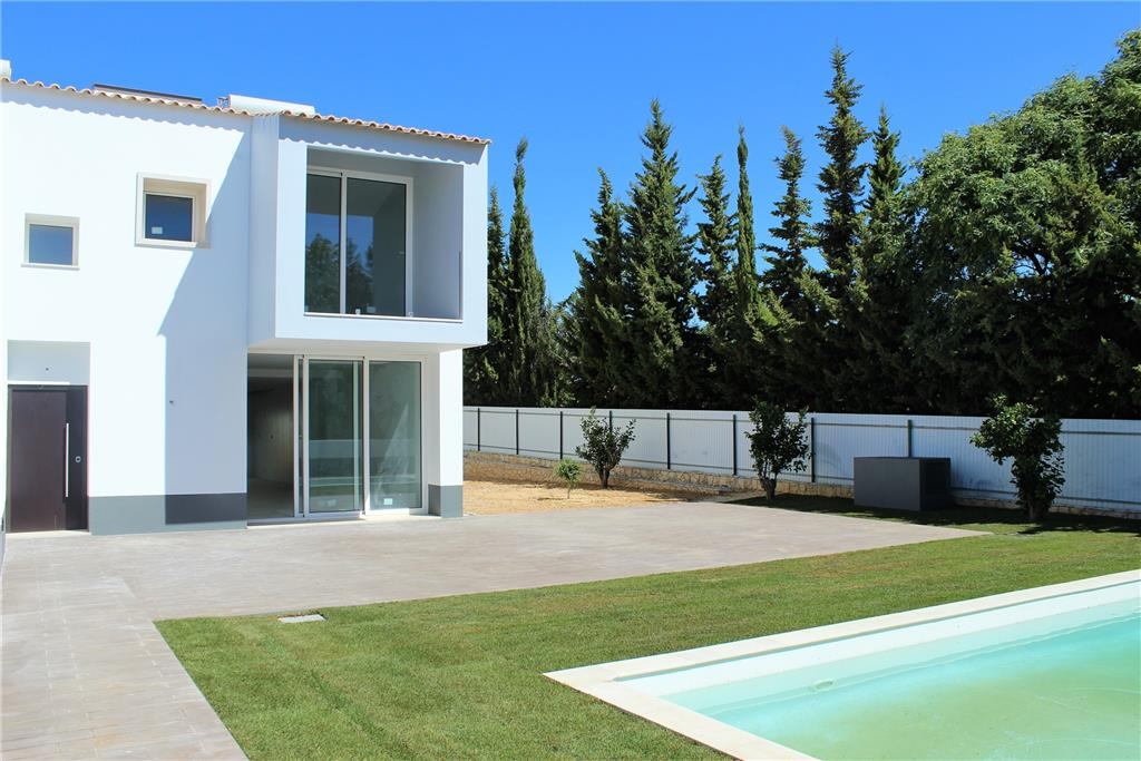 House/Villa for sale in Olhos de Agua
