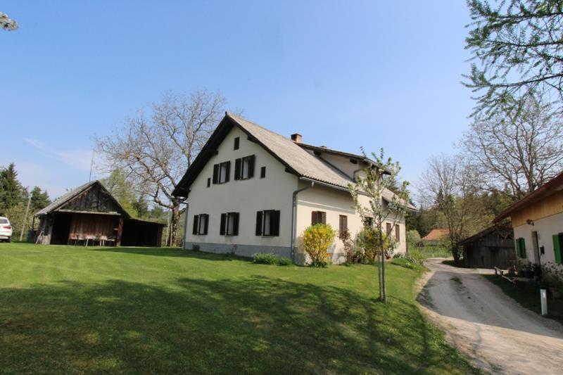 Farmhouse for sale in Cerknica