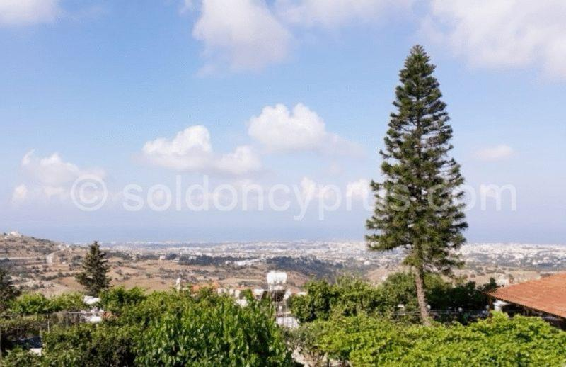 Land/Ruins for sale in Armou