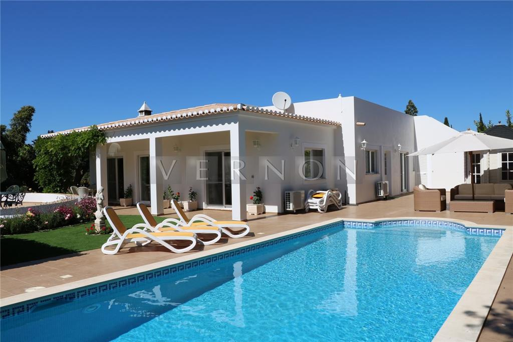 Detached for sale in Lagoa