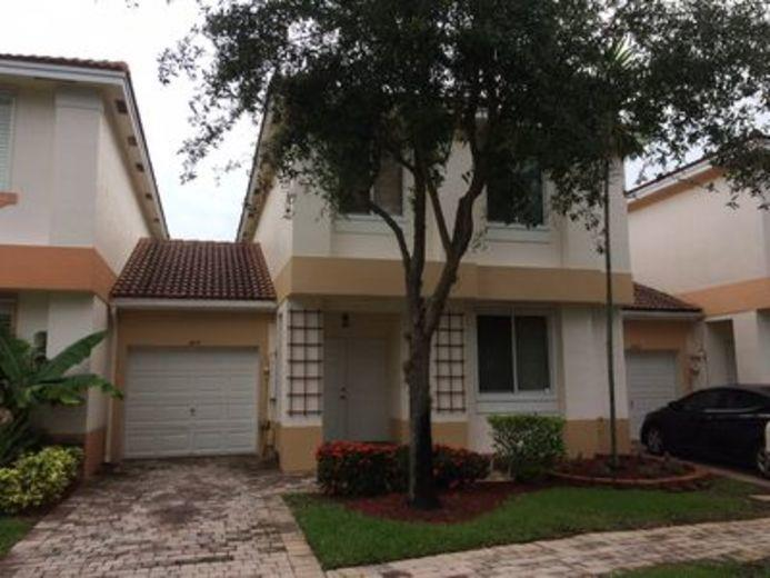 Townhouse for sale in Davie