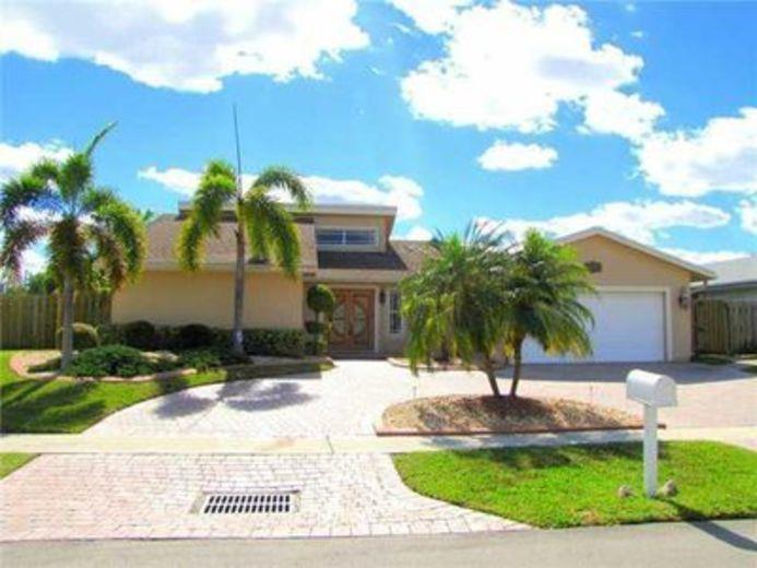 House/Villa for sale in Sunrise
