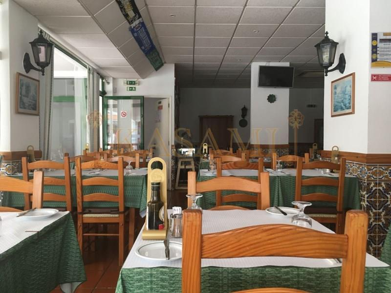 Business for sale in Albufeira