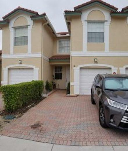 Townhouse for sale in Coral Springs