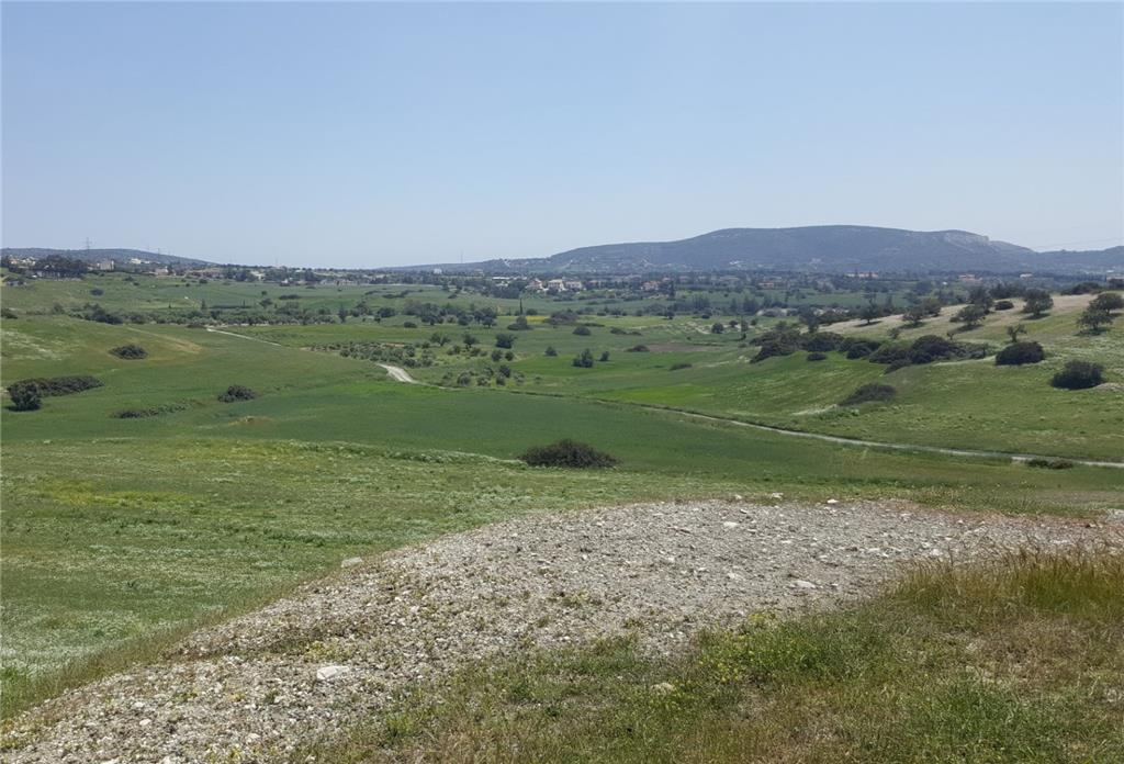 Land/Ruins for sale in Monagroulli