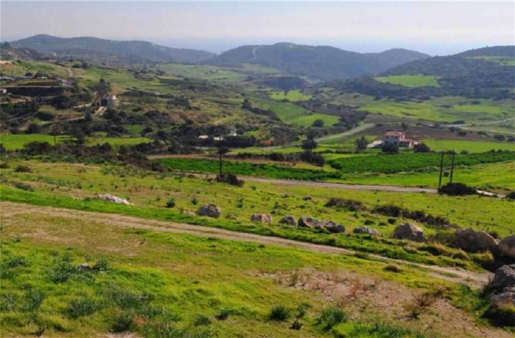 Land/Ruins for sale in Parekklisha