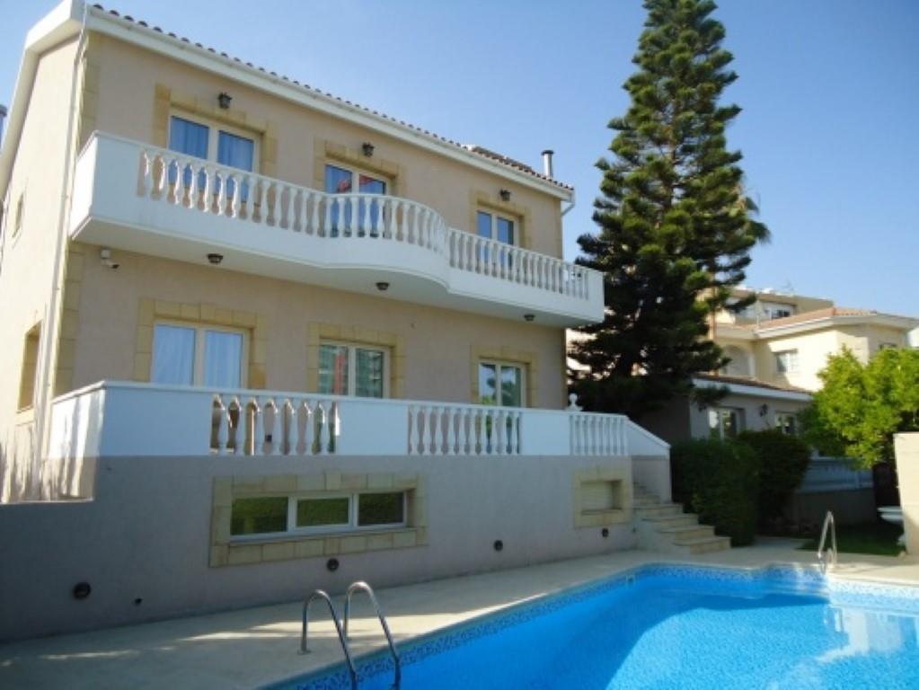 House/Villa for sale in Ayios Tykhonas