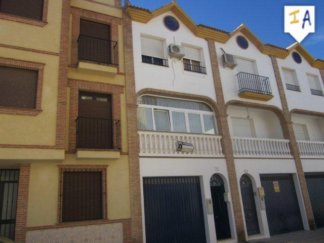 Townhouse for sale in Alameda