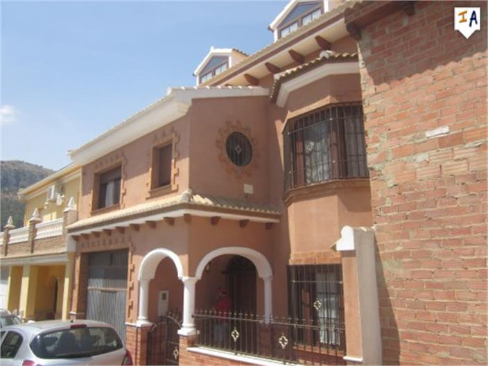 Townhouse for sale in Cuevas de San Marcos