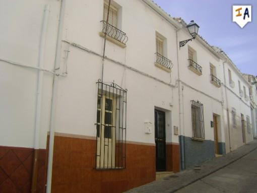 Townhouse for sale in Alcala la Real
