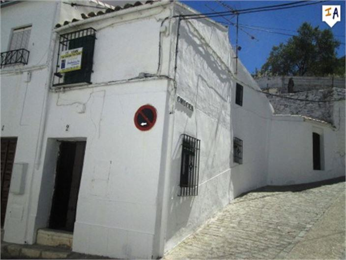 Townhouse for sale in Zuheros