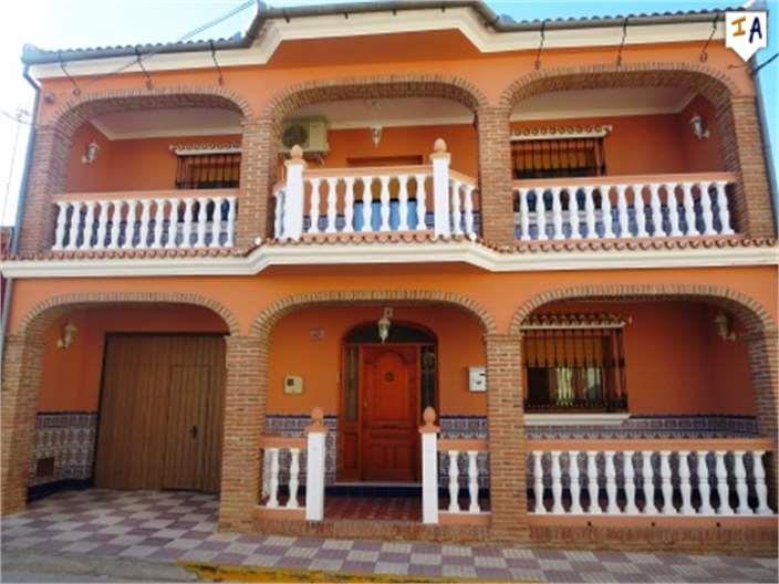 Townhouse for sale in Fuente de Piedra