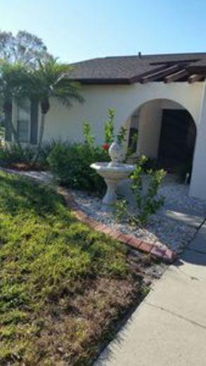 House/Villa for sale in Englewood