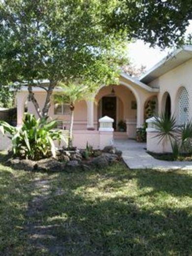 House/Villa for sale in Daytona Beach