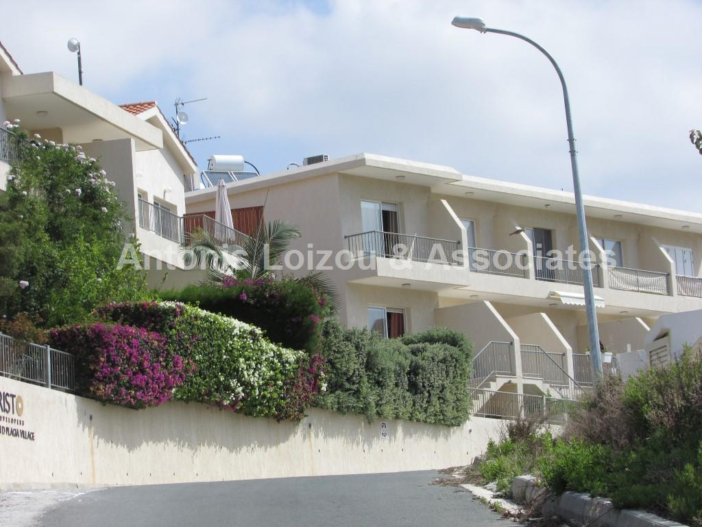 Maisonette for sale in Peyia
