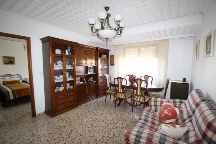 Apartment/Flat for sale in Sax