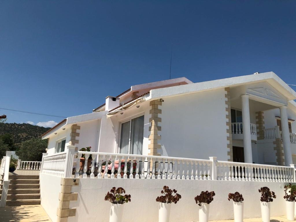 House/Villa for sale in Parekklisha