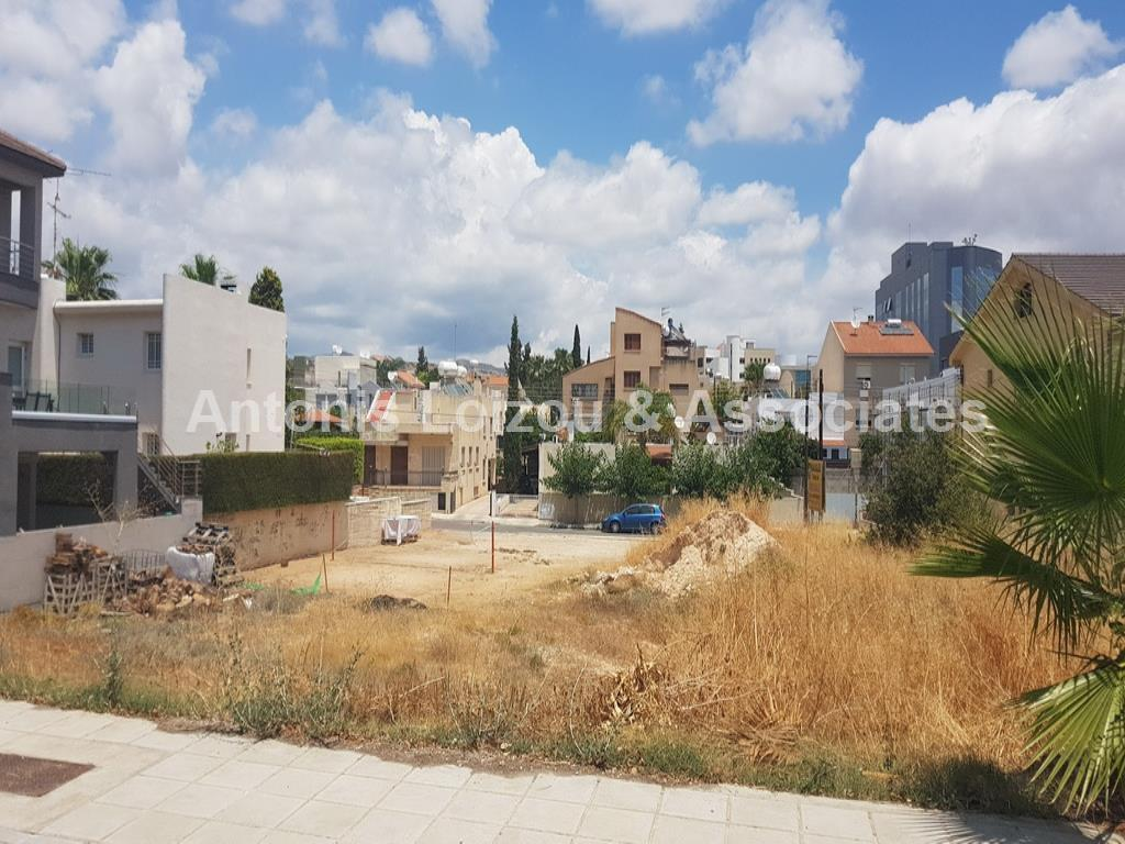 Land/Ruins for sale in Phini