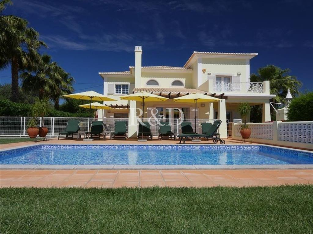 House/Villa for sale in Pechao