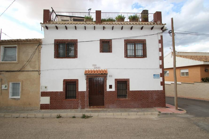 Townhouse for sale in Villena