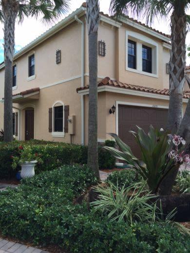 Townhouse for sale in Parkland