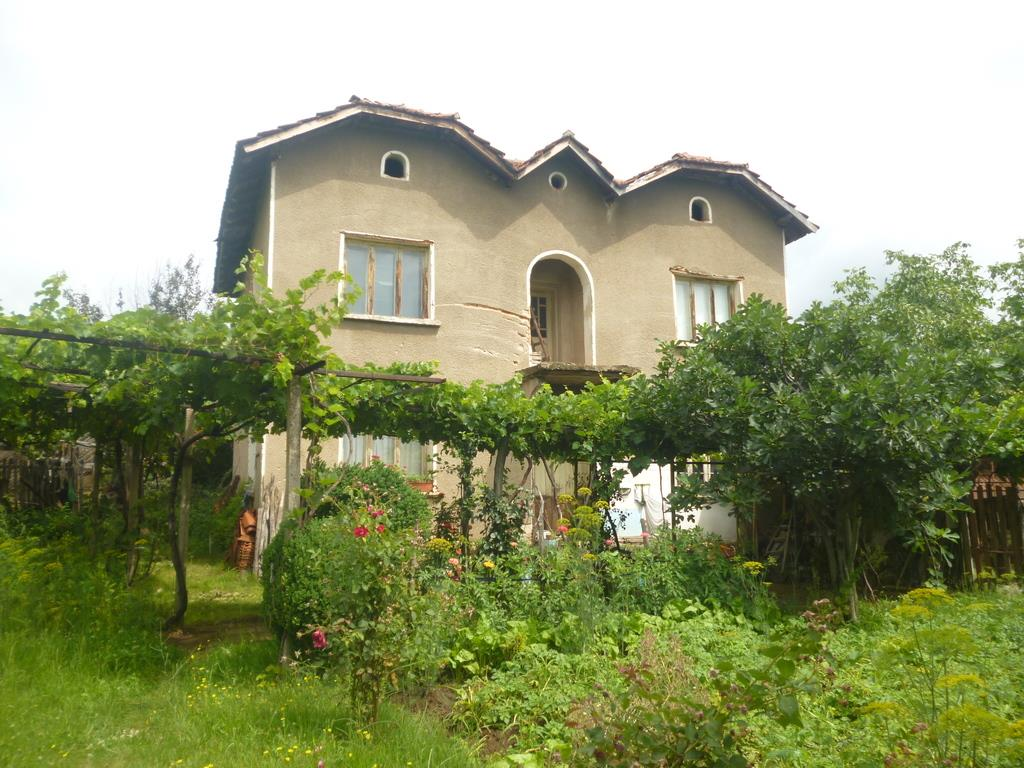 Detached for sale in Zamfirovo