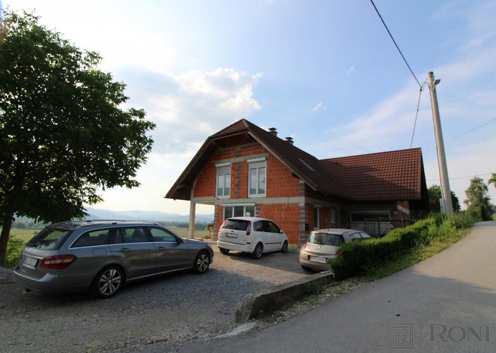House/Villa for sale in Borovnica