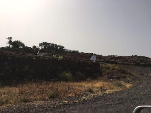 Land/Ruins for sale in Lajares