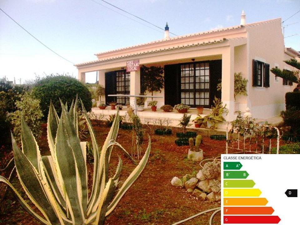 House/Villa for sale in Raposeira