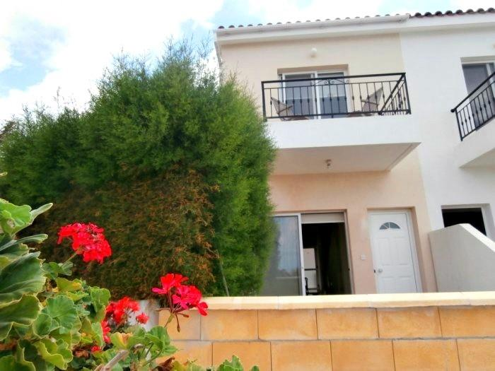 Townhouse for sale in Armou