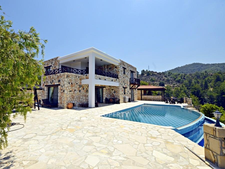 Detached for sale in Paphos