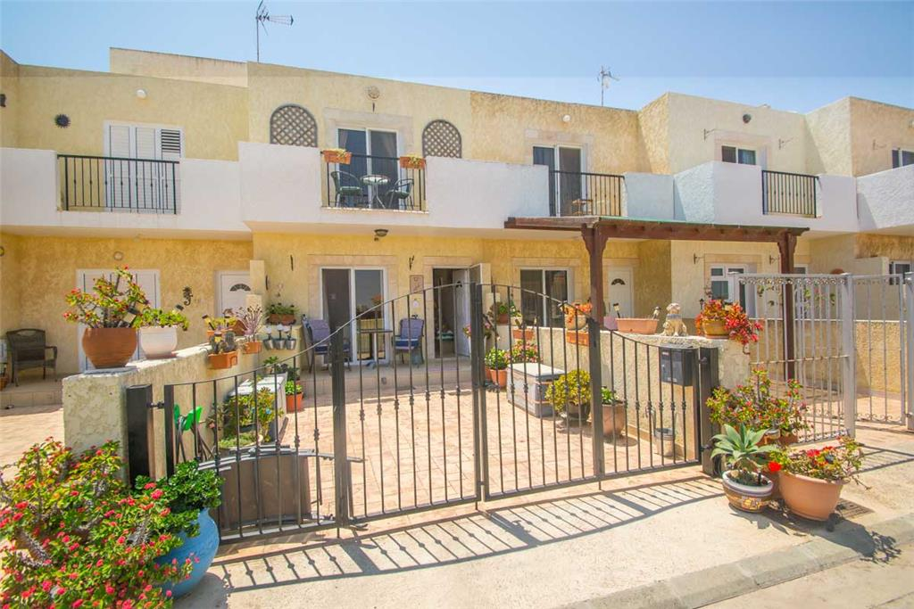 Townhouse for sale in Larnaca