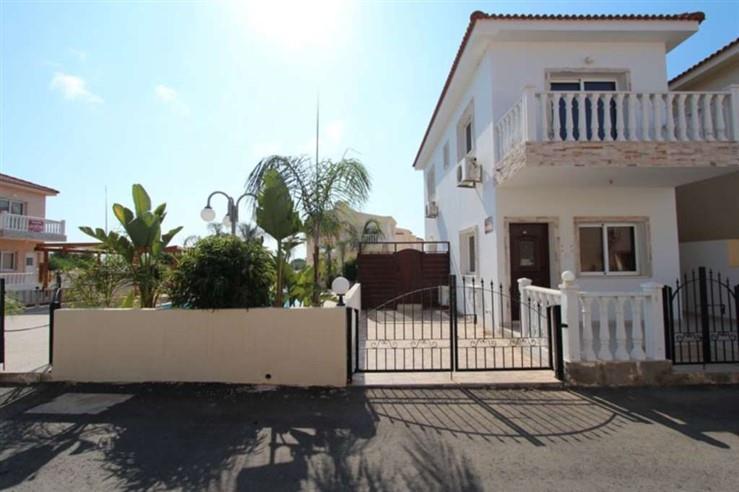 House/Villa for sale in Pernera