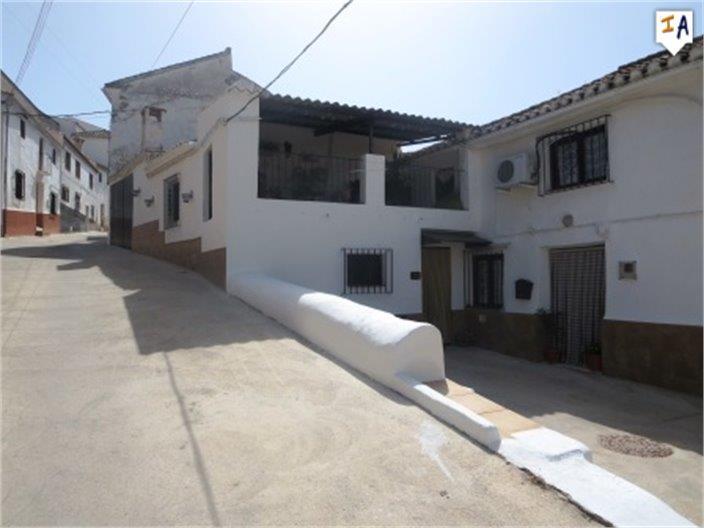 Townhouse for sale in Iznajar