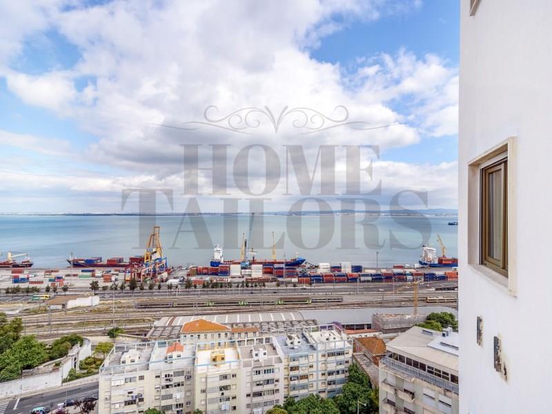 Apartment/Flat for sale in Penha de Franca