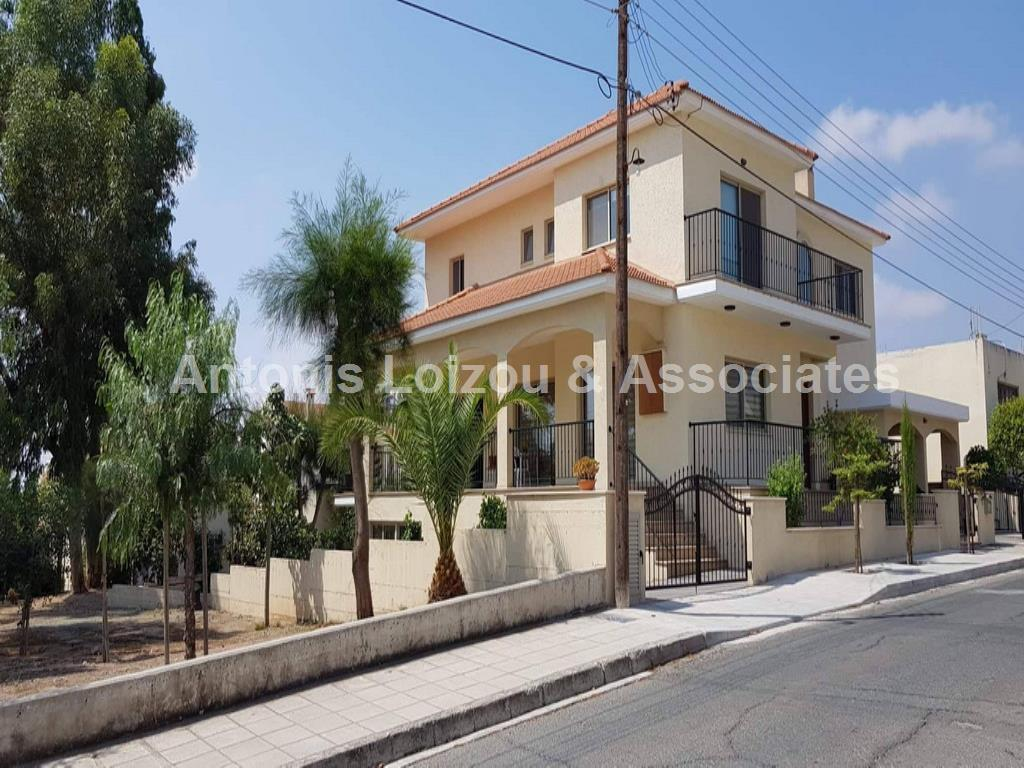 Detached for sale in Phini