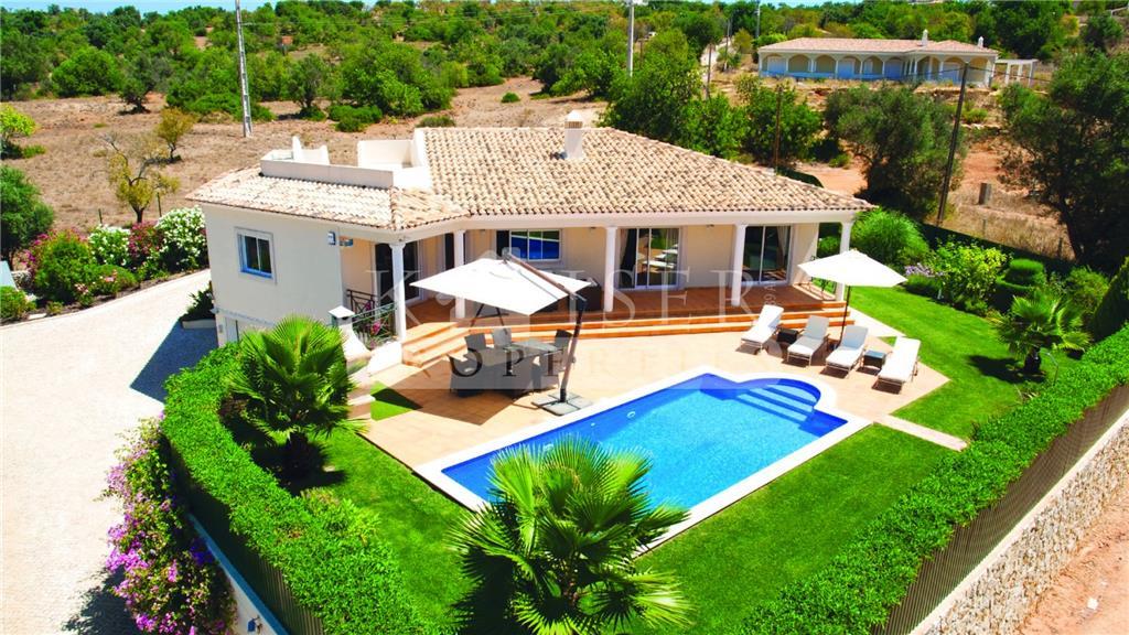 House/Villa for sale in Ferreiras