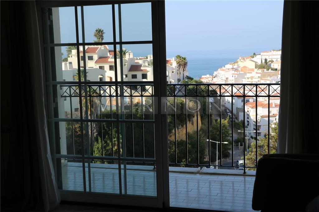 Apartment/Flat for sale in Lagoa